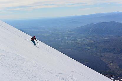 Firnabfahrt vom Vulkan