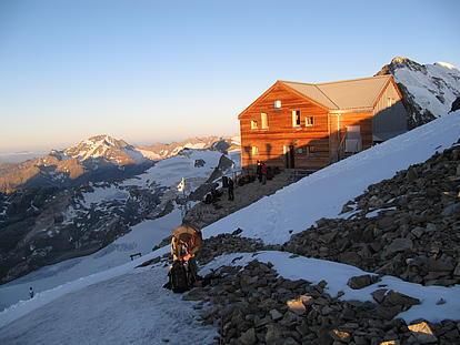 Sonnenuntergang Monte Rosa Hütte