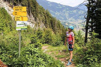 Ausstieg am Klettersteig Astegg, Wegweiser