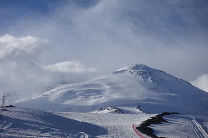 Unser erster Blick auf den Mount Elbrus