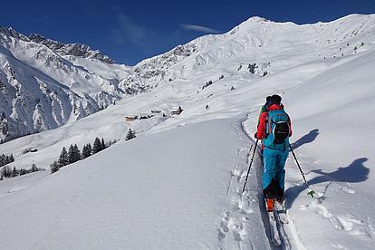 Skitourenaufstieg in den Tuxer Alpen