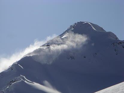 Schneebedeckter Berg in Kirgistan