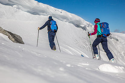 Aufstieg bei der Skitour am Hintertuxer Gletscher
