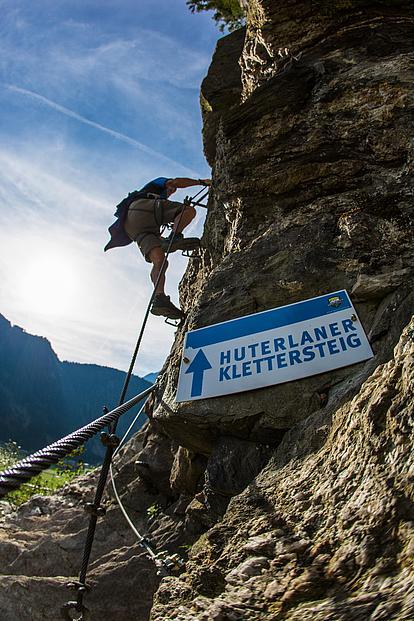 Einstiegstafel am Klettersteig Huterlaner